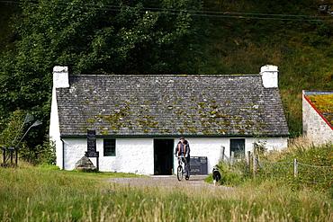A small house near Loch Duich, West coast, Scotland, United Kingdom, Europe
