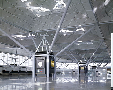 Stansted Airport, architects Foster Associates, Essex, England, United Kingdom, Europe