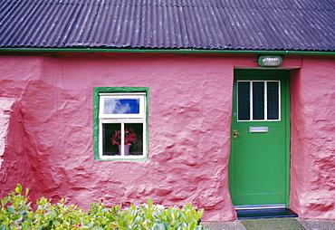 Single storey traditional stone cottage, Porth Oer Lleyn Peninsula, Gwynedd, South Wales, United Kingdom, Europe