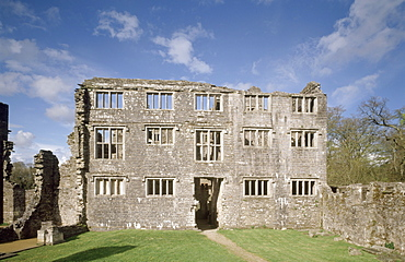 The west facade of the Pomeroy mansion, Berry Pomeroy Castle, Devon, England, United Kingdom, Europe