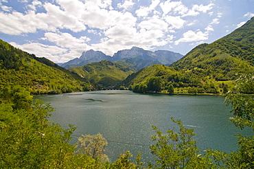 Alpine lake along the road between Sarajevo and Mostar, Bosnia-Herzegovina, Europe