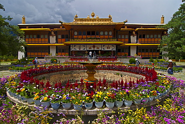 Colourful flowers at the Summer Palace, Lhasa, Tibet, China, Asia