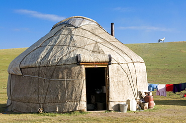 Yurts, tents of Nomads at Song Kol, Kyrgyzstan, Central Asia