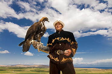 Man with his goshawk, Kyrgyzstan, Central Asia, Asia