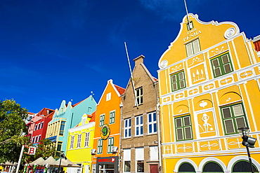 The colourful Dutch houses at the Sint Annabaai in Willemstad, UNESCO World Heritage Site, Curacao, ABC Islands, Netherlands Antilles, Caribbean, Central America