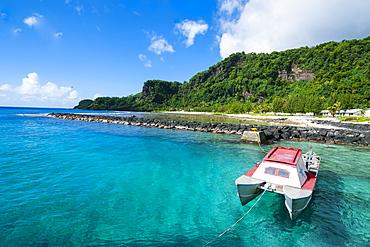 Pretty bay and turquoise water on Tau Island, Manua Island group, American Samoa, South Pacific, Pacific