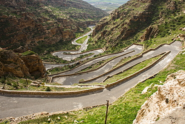 Zigzag road leading to the Rabban Hormzid Monastery (Sant Hormzid Monastery) in Al-Kosh, Iraq Kurdistan, Iraq, Middle East
