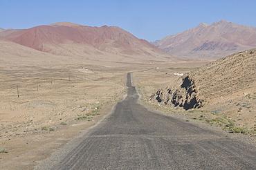Pamir Highway leading into wilderness, Tajikistan, Central Asia