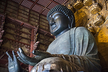 Big Buddha statue, Daibutsuden (Big Buddha Hall), Todaiji Temple, UNESCO World Heritage Site, Nara, Kansai, Japan, Asia