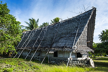 Traditional thatched roof hut, Island of Yap, Federated States of Micronesia, Caroline Islands, Pacific