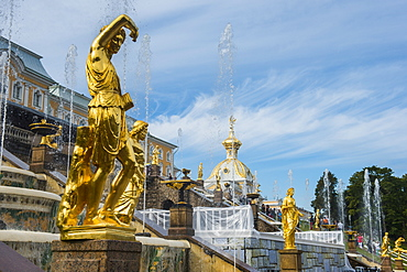 The Samson fountain in front of the Grand Peterhof Palace (Petrodvorets), UNESCO World Heritage Site, St. Petersburg, Russia, Europe