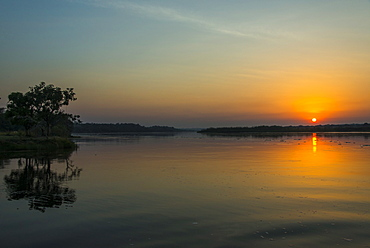Sunrise over the Nile in the Murchison Falls National Park, Uganda, East Africa, Africa