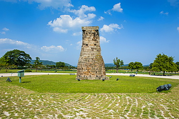 Cheomseongdae, oldest astronomical observatory in east Asia, Gyeongju, UNESCO World Heritage Site, South Korea, Asia