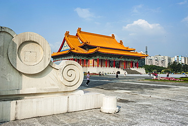 National concert hall on the grounds of the Chiang Kai-Shek memorial hall, Taipeh, Taiwan, Asia