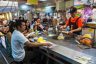 Food bar at the Shilin Night Market, Taipei, Taiwan, Asia