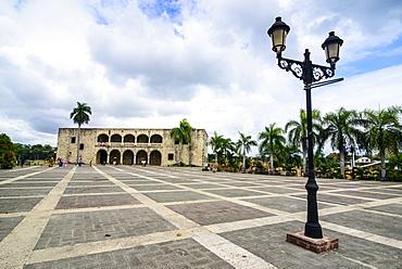 Mueso Alcazar de Colon on the Plaza Espagna, Old Town, UNESCO World Heritage Site, Santo Domingo, Dominican Republic, West Indies, Caribbean, Central America