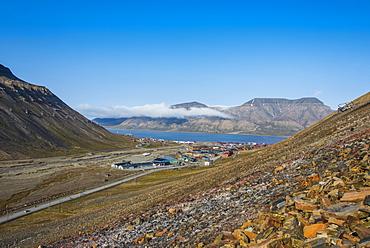 View over Longyearbyen, capital of Spitzbergen, Svalbard, Arctic, Norway, Scandinavia, Europe