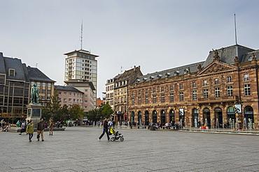 People on Place Kleber Square, Kleberplatz square, Strasbourg, Alsace, France, Europe