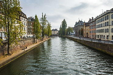 Houses along the Ill River, Strasbourg, Alsace, France, Europe