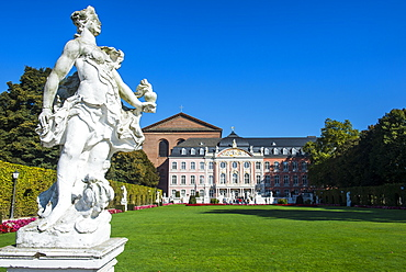 Palaca gardens in front of the Palace of Trier, Trier, Moselle Valley, Rhineland-Palatinate, Germany, Europe