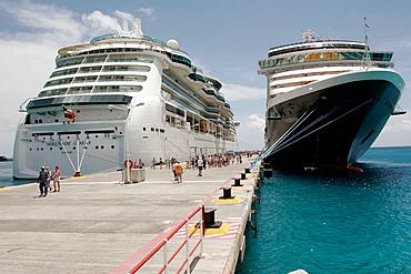 Cruise ship port, MS Noordam, Serenade of the Seas, passengers, Dutch, Philipsburg, Great Bay, Sint Maarten