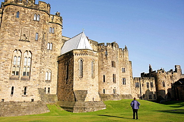 UK, England, Northumberland, Alnwick, Alnwick Castle, 11th century, Norman architecture, Harry Potter movie site,