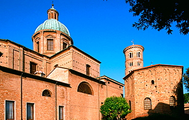 Duomo (cathedral) and Byzantine baptistery from the 5th century, Ravenna, Italy