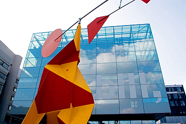 Germany, Baden Wurttemberg, Stuttgart, Alexander calder's mobile statue infront of Stuttgart's Kunstmuseum (art museum) located on Konigstrasse, the King street