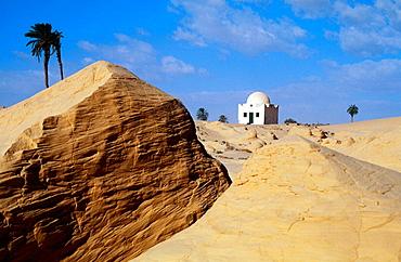 'Koubba' (mausoleum of a marabout) in the Zaafrane area dunes, Chott el-Djerid desert, South oasis, Tunisia