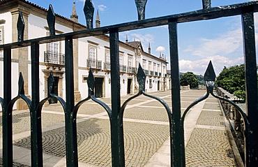 Solar da Rede 'pousada' (former palace, now a state-run hotel), Mesv£o Frio, Douro valley, Portugal