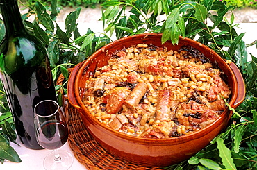 Cassoulet (meat and haricot stew) of Carcassonne, Aude department, Languedoc_Roussillon Region, France