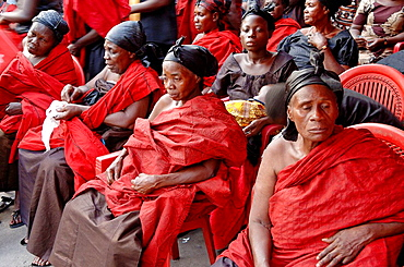 Funeral service, All the people are dressed in red, City of Kumasi, Ghana, Western Africa