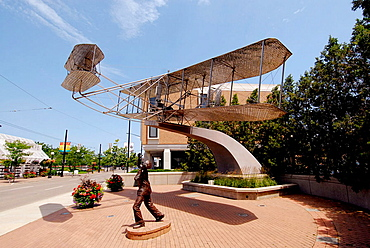 Memorial to Orville and Wilbur Wright and the invention of the airplane in the city of Dayton, Ohio, USA