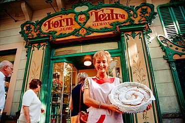 Ensaimada, Forn des Teatre pastry shop, Palma de Mallorca, Balearic Islands, Spain