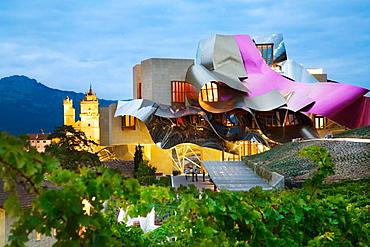 Hotel, Ciudad del Vino, Herederos de Marques de Riscal winery building by Frank O, Gehry, Elciego, Rioja alavesa, Alava, Euskadi, Spain