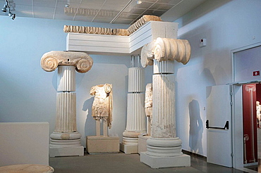 Statue, Antiques in city museum, Thessaloniki (Salonica), Greece