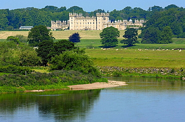 Floors Castle and tweed River, Kelso, Scottish Borders, Scotland, U.k.