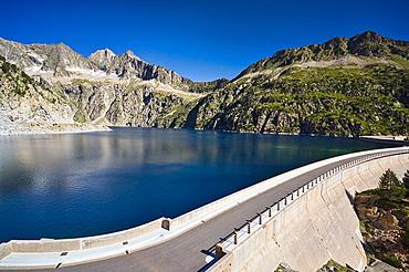 Lac de Cap de Long, Reserva Natural de Neouvielle, Pirineos, Francia