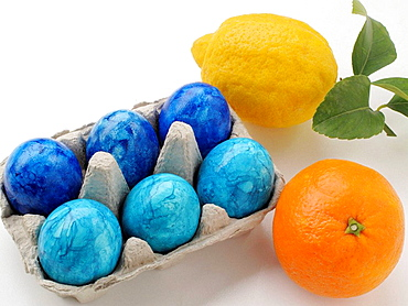 Easter eggs colored with orange and lemon - 817-189299