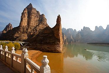 Near Binglingsi grottoes, Liujiaxia  reservoir, Gansu Province, The Silk Road, China, Nov.2006