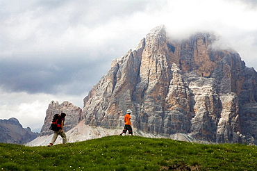 Hikers in the Five Torri, Dolomites, Italian Alps, Italy, Europe