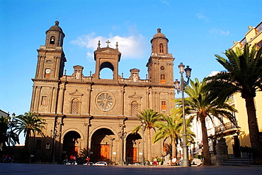 Cathedral in Plaza Santa Ana, Vegueta district, Las Palmas de Gran Canaria, Gran Canaria, Canary Islands, Spain