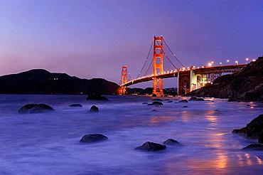 Usa, California, San Francisco, Bakers Beach and Golden Gate Bridge