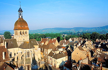 Collegiale Notre Dame and old town, Beaune, Cotes dOr, France