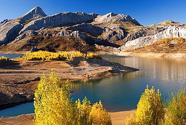 Paisaje del embalse de Riano, Leon  Landscape in Riano dam, Leon