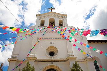 Iglesia de San Lorenzo, St Lawrence Church, San Lorenzo Zinacantan, near San Cristobal de las Casas, Chiapas, Mexico