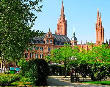 Germany, Wiesbaden, Rhine, Hesse, neo-Gothic Market Church and gardens.