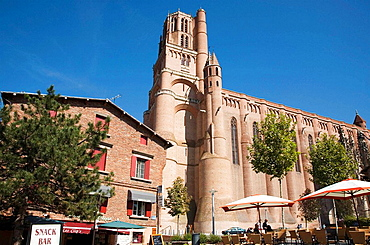 France, Midi Pyrenees, Tarn, Albi Sainte Cecile cathedral, gothic style I Characterized by a strong contrast between its austere, defensive exterior and its sumptuous interior decoration