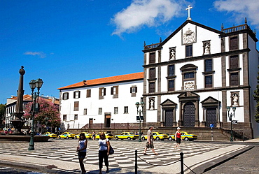 Portugal, Madeira Island, Funchal City centre Town square