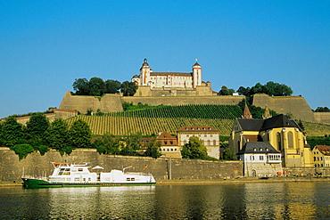 Germany, Bavaria, Wurzburg, Marienberg Fortress, Main Rive